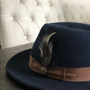 Goorin Brothers Navy Blue Hat w/ brown band Size L